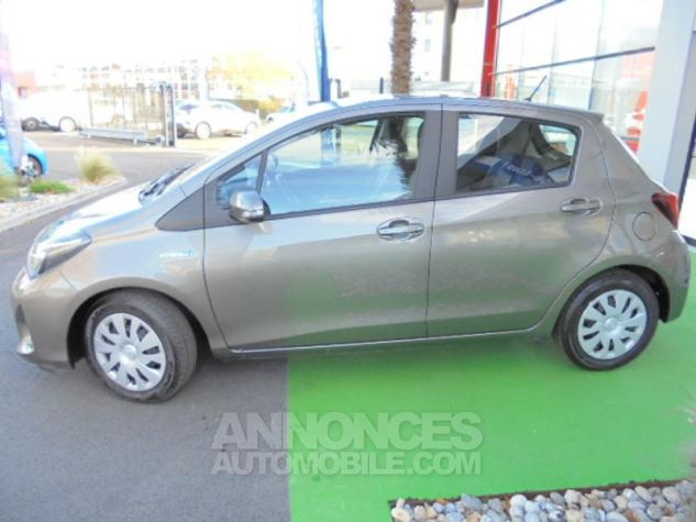 Toyota YARIS HSD 100h Dynamic 5p GRIS DUNE Occasion - 1