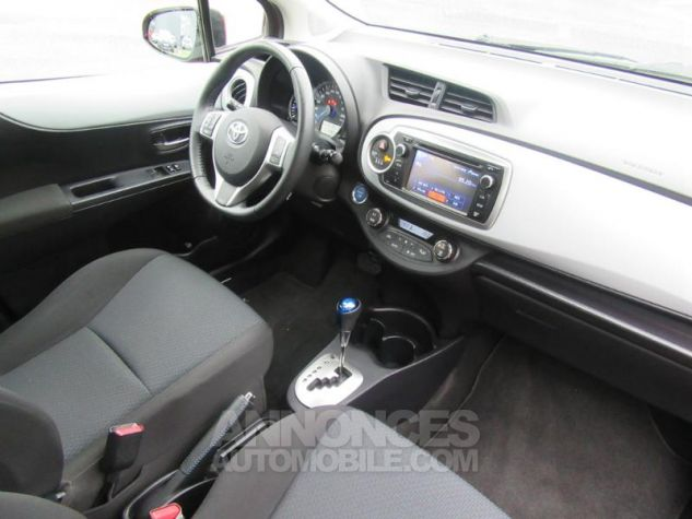 Toyota YARIS HSD 100h Dynamic 5p ROUGE Occasion - 1