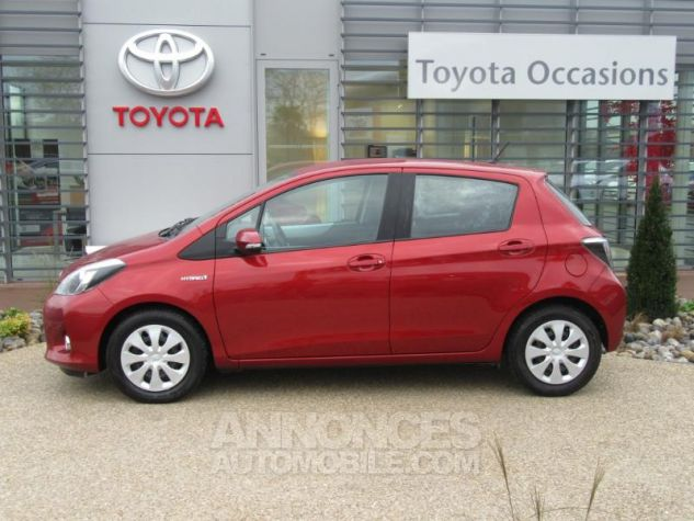 Toyota YARIS HSD 100h Dynamic 5p ROUGE Occasion - 3