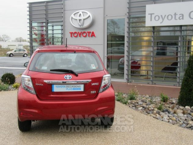 Toyota YARIS HSD 100h Dynamic 5p ROUGE Occasion - 4