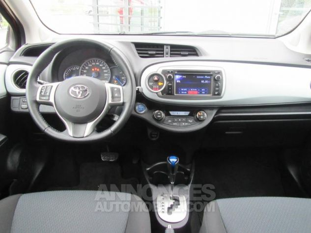 Toyota YARIS HSD 100h Dynamic 5p ROUGE Occasion - 6