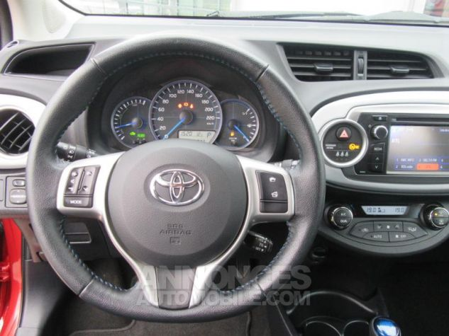Toyota YARIS HSD 100h Dynamic 5p ROUGE Occasion - 13
