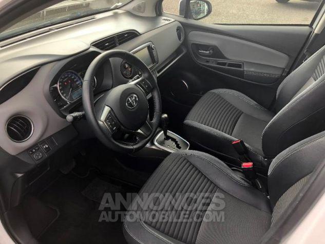 Toyota YARIS HSD 100h Style 5p Blanc Occasion - 12