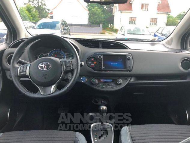 Toyota YARIS HSD 100h Style 5p Blanc Occasion - 13