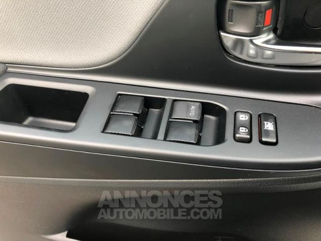 Toyota YARIS HSD 100h Style 5p Blanc Occasion - 17
