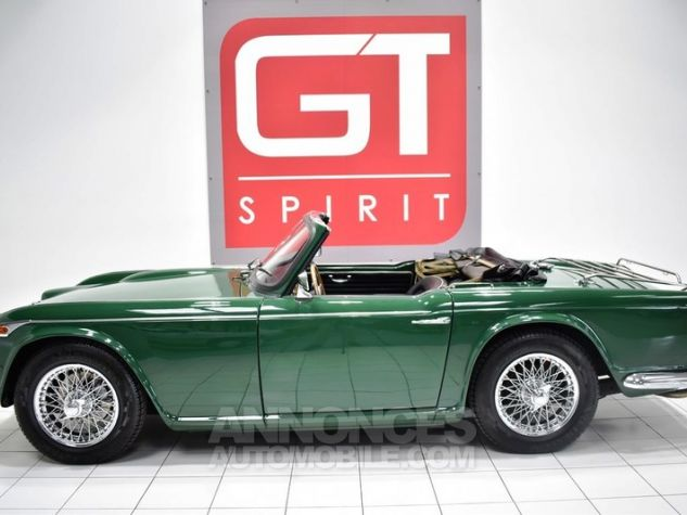 Triumph TR4 A IRS Overdrive British Racing Green Occasion - 3