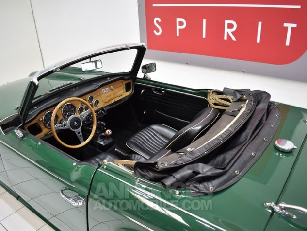 Triumph TR4 A IRS Overdrive British Racing Green Occasion - 23
