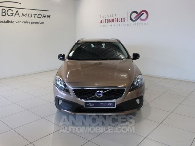Volvo V40 CROSS COUNTRY D2 115CH START&STOP MOMENTUM Bronze Occasion - 2