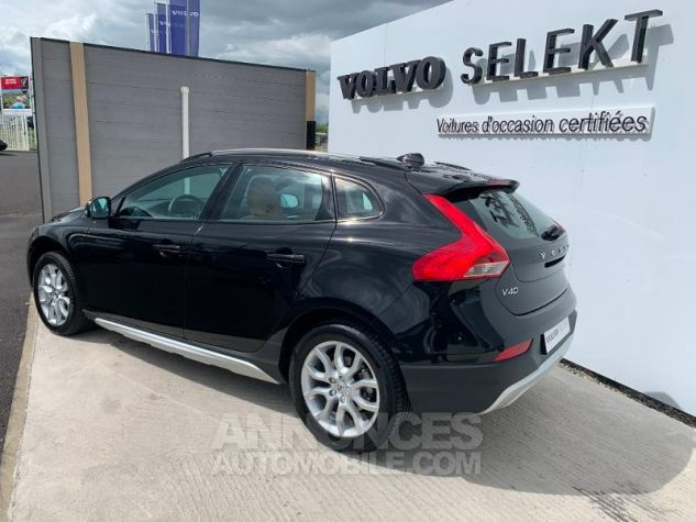 Volvo V40 D2 120ch Xenium Noir Occasion - 1