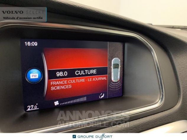 Volvo V40 D3 150ch R-Design Geartronic Blanc Glace 614 Occasion - 13