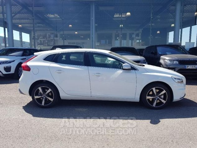 Volvo V40 T2 122ch R-Design Geartronic Blanc Glace Occasion - 1