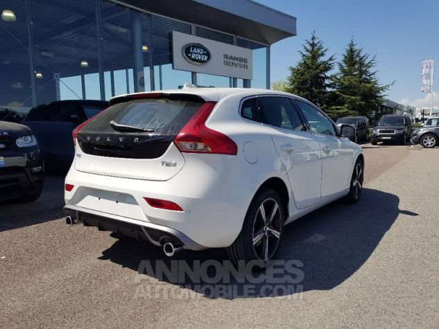 Volvo V40 T2 122ch R-Design Geartronic Blanc Glace Occasion - 2
