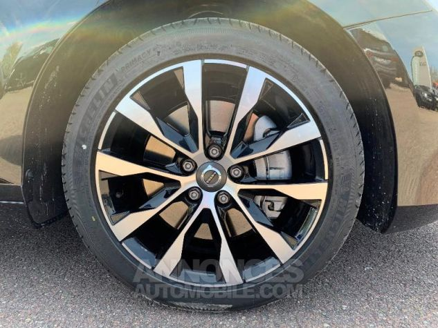 Volvo V40 T2 122ch Signature Edition Geartronic NOIR ONYX Neuf - 7