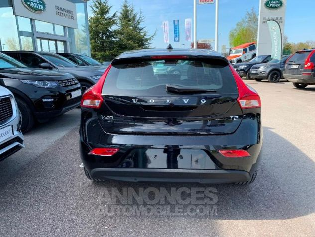 Volvo V40 T2 122ch Signature Edition Geartronic NOIR ONYX Neuf - 8