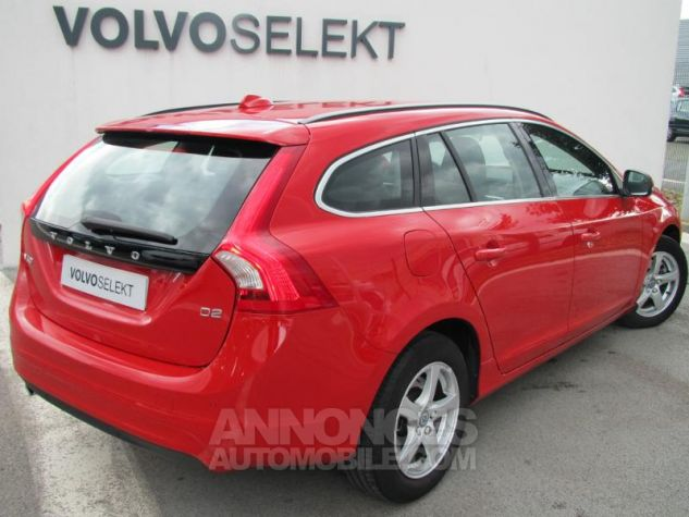 Volvo V60 D2 120ch Momentum Rouge passion Occasion - 1