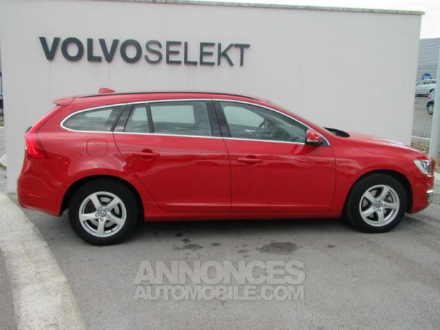 Volvo V60 D2 120ch Momentum Rouge passion Occasion - 3