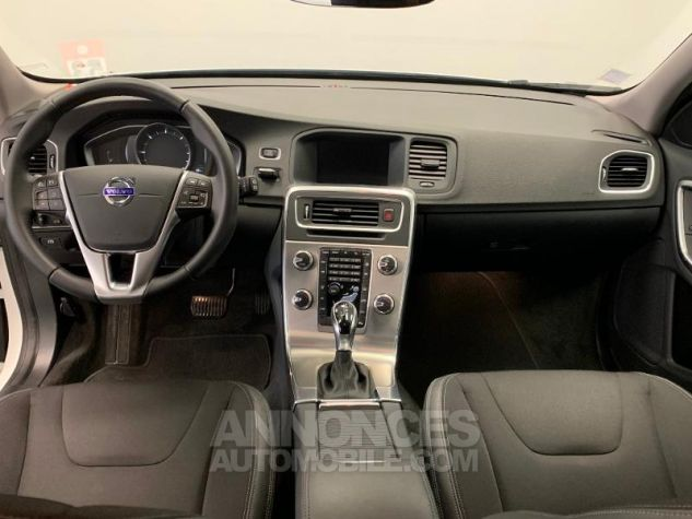 Volvo V60 D3 150ch  Blanc Glace 614 Occasion - 5