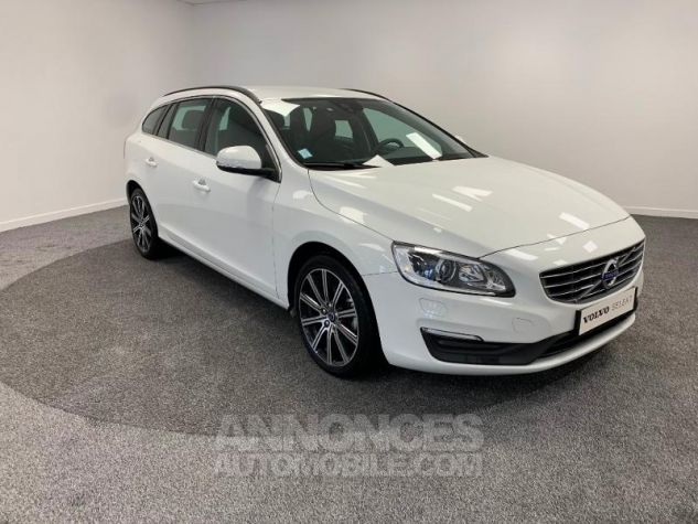 Volvo V60 D3 150ch  Blanc Glace 614 Occasion - 8