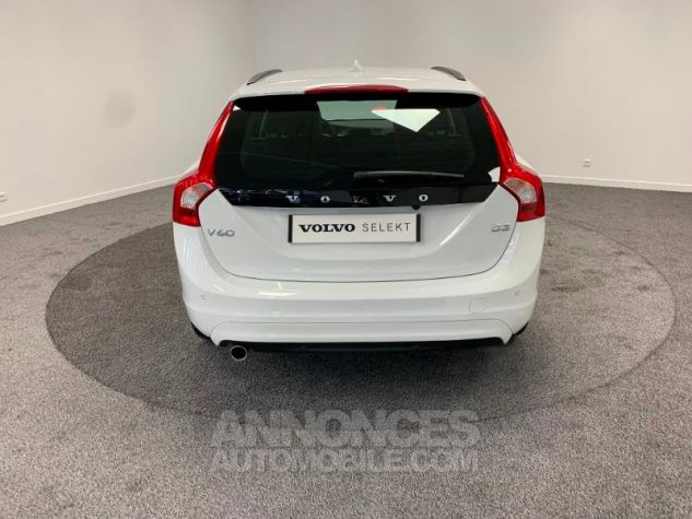 Volvo V60 D3 150ch  Blanc Glace 614 Occasion - 9