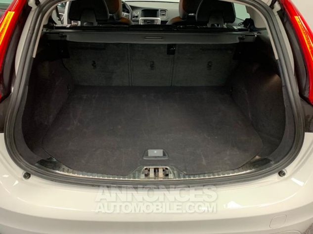 Volvo V60 D3 150ch  Blanc Glace 614 Occasion - 12