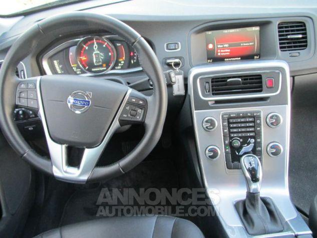 Volvo V60 D3 150ch Summum Geartronic Bleu magique perle 467 Occasion - 5