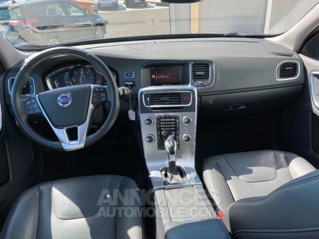 Volvo V60 D4 AWD 190ch Pro Geartronic Gris Saville Occasion - 3