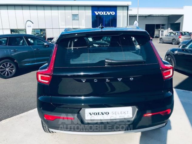 Volvo XC40 D3 AdBlue 150ch Momentum Geartronic 8 Noir Occasion - 1