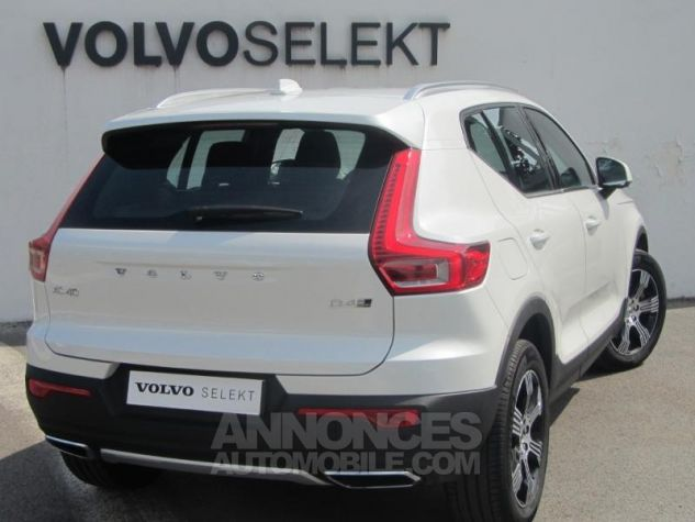 Volvo XC40 D4 AWD 190ch Inscription Geartronic 8 Blanc cristal Occasion - 1