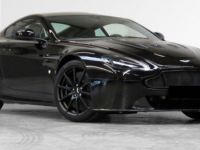 Aston Martin V12 Vantage S  Direction