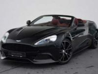 Aston Martin VANQUISH VOLANTE  Direction