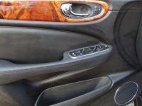 Jaguar XJ R 4.2i V8 Suralimenté - BVA R 2003 BERLINE . PHASE 1 - <small></small> 21.750 € <small>TTC</small> - #14