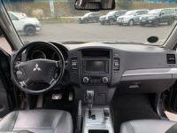 Mitsubishi PAJERO 3.8 L V6 Essence GDI 248 CV Instyle BVA - <small></small> 22.000 € <small>TTC</small> - #13