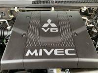 Mitsubishi PAJERO 3.8 L V6 Essence GDI 250 CV Long Instyle BVA - <small></small> 22.500 € <small>TTC</small> - #9