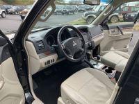 Mitsubishi PAJERO 3.8 L V6 Essence GDI 250 CV Long Instyle BVA - <small></small> 22.500 € <small>TTC</small> - #16