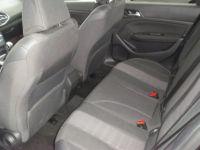 Peugeot 308 II 1.5 BlueHDi 130 1499 130cv ALLURE - <small></small> 16.990 € <small>TTC</small> - #4
