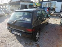 Renault Clio 1.8 110CH RSI 3P - <small></small> 2.200 € <small>TTC</small> - #7