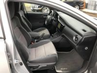 Toyota Auris HSD Collection 136h 136ch - <small></small> 16.990 € <small>TTC</small> - #17