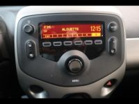 Toyota Aygo 1.0 VVT-i 69ch x-play 5p - <small></small> 8.290 € <small>TTC</small> - #17