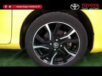 Toyota Yaris 100h Collection Jaune 5p - <small></small> 17.990 € <small>TTC</small> - #7