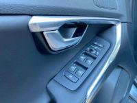 Volvo V40 D3 AdBlue 150ch R-Design Geartronic - <small></small> 26.900 € <small>TTC</small> - #8