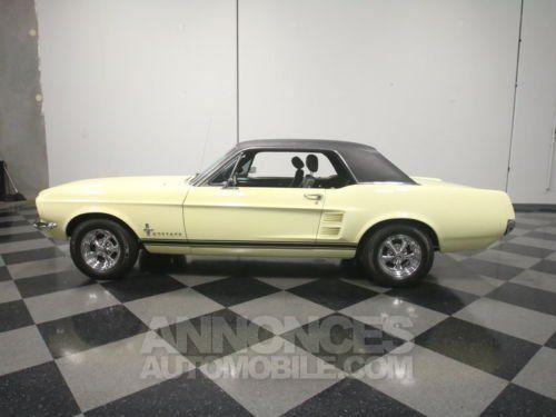 ford mustang 1967 jaune occasion paris 75 paris n 3948318 annonces automobile. Black Bedroom Furniture Sets. Home Design Ideas