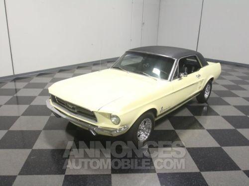 ford mustang 1967 jaune occasion paris 75 paris n 3928901 annonces automobile. Black Bedroom Furniture Sets. Home Design Ideas