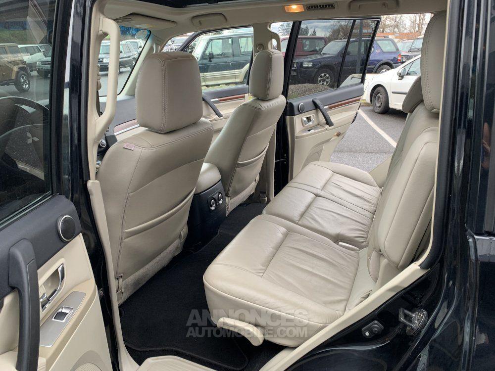 Mitsubishi PAJERO 3.8 L V6 Essence GDI 250 CV Long Instyle BVA - <small></small> 22.500 € <small>TTC</small> - #15