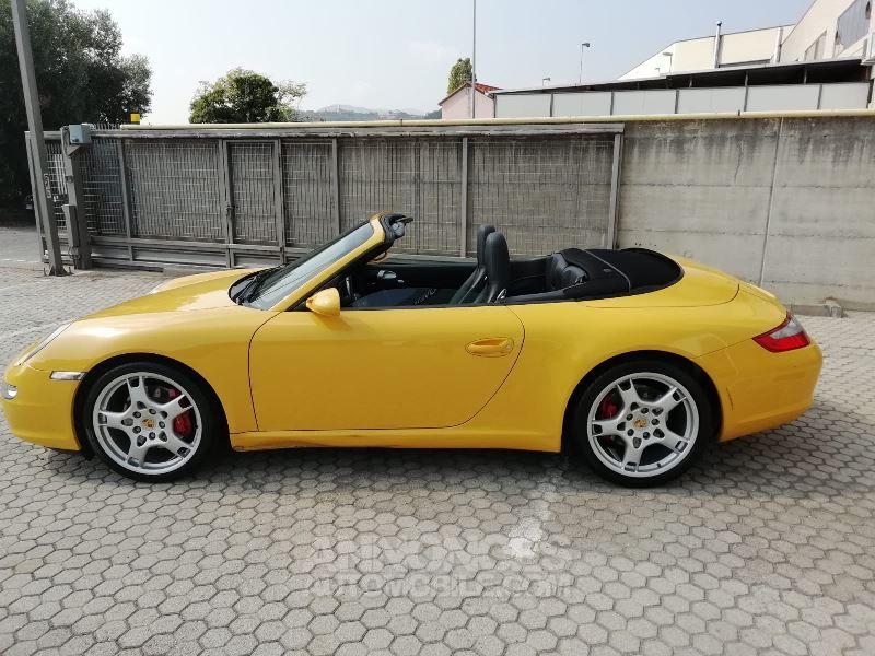 porsche 911 997 carrera s jaune occasion vacquiers 31 haute garonne n 4097256 annonces. Black Bedroom Furniture Sets. Home Design Ideas