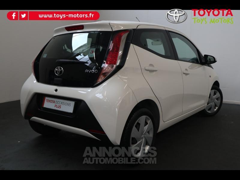 Toyota Aygo 1.0 VVT-i 69ch x-play 5p - <small></small> 8.290 € <small>TTC</small> - #2