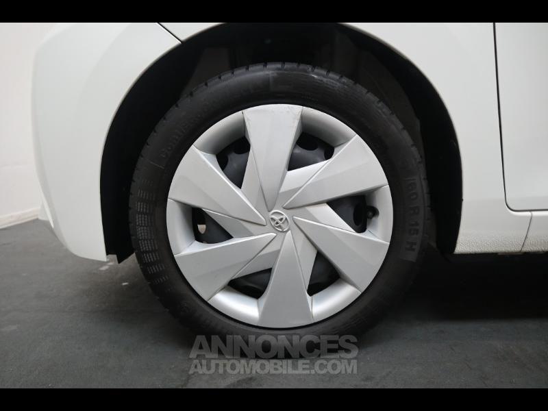 Toyota Aygo 1.0 VVT-i 69ch x-play 5p - <small></small> 8.290 € <small>TTC</small> - #13