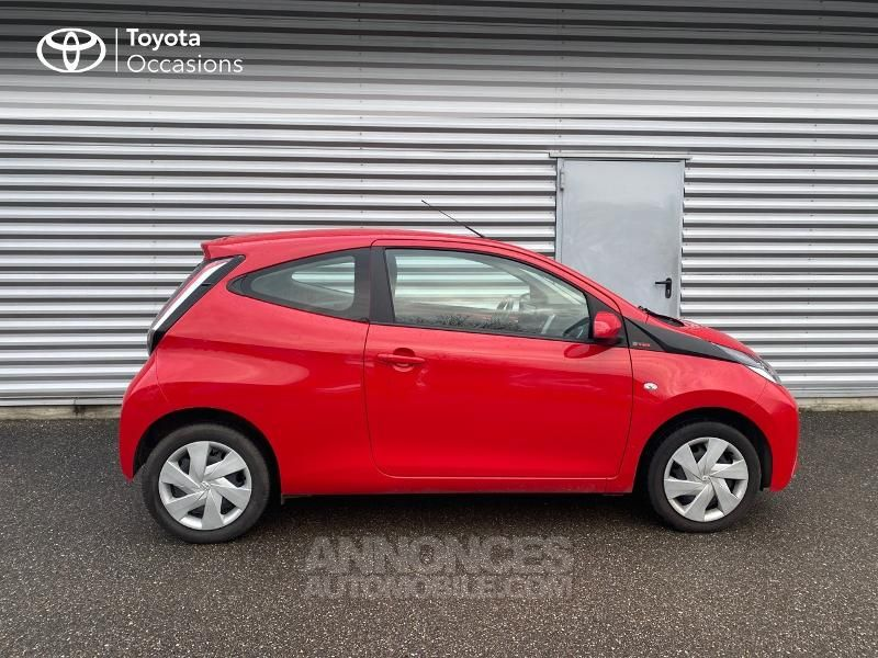 Toyota Aygo 1.0 VVT-i 69ch x-red 3p - <small></small> 8.290 € <small>TTC</small> - #17