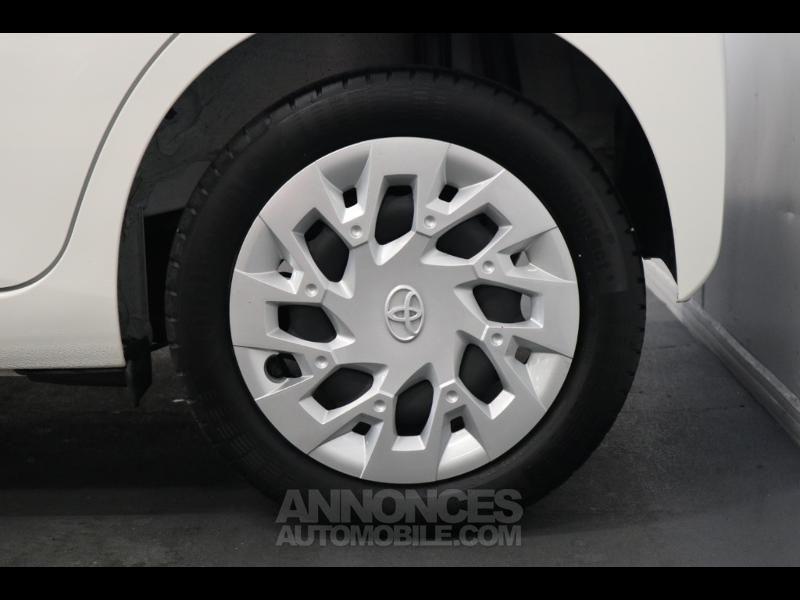 Toyota Aygo 1.0 VVT-i 72ch x-play 5p - <small></small> 10.290 € <small>TTC</small> - #10