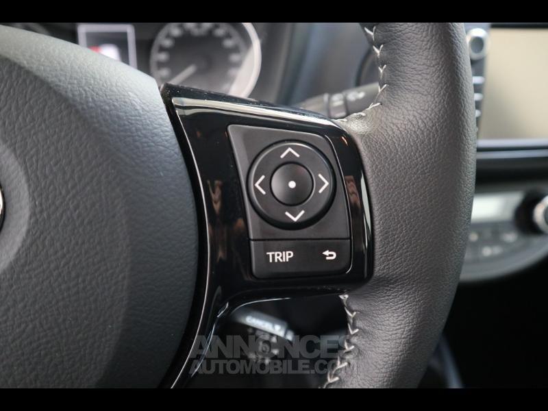 Toyota Yaris 100h Dynamic 5p - <small></small> 14.990 € <small>TTC</small> - #14
