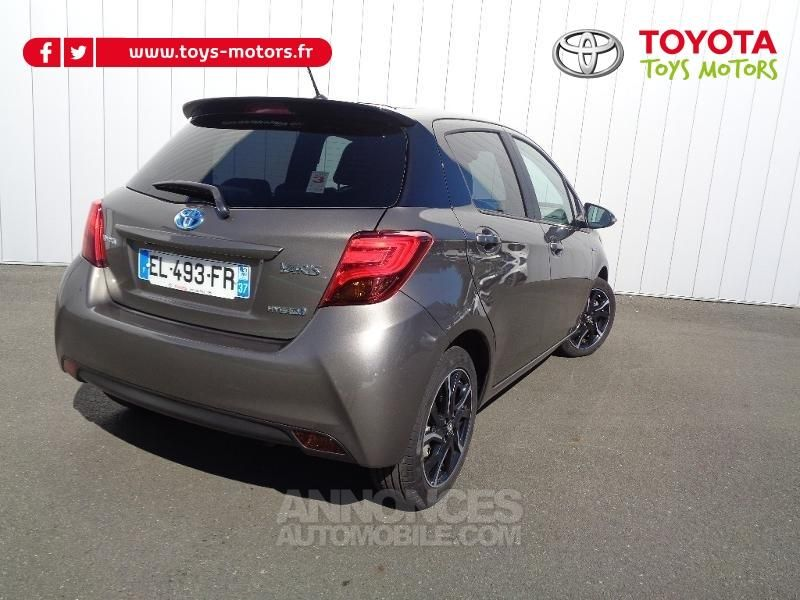 toyota yaris hsd 100h collection 5p gris dune occasion. Black Bedroom Furniture Sets. Home Design Ideas
